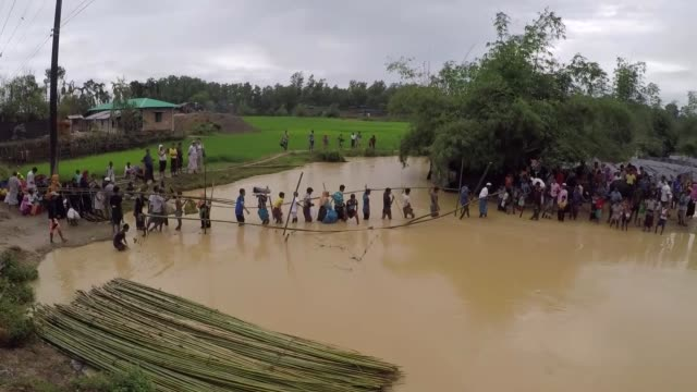 cox's bazar bangladesh september 17 various shots of balukali refugee camp where thousands of rohingya muslims who fled their homes in western... - cox's bazar stock videos & royalty-free footage