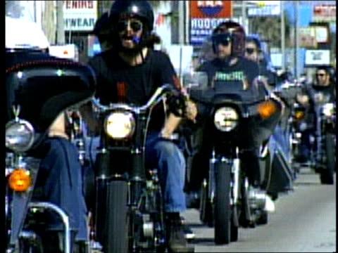 vidéos et rushes de various shots of motorcycles and bike week - semaine