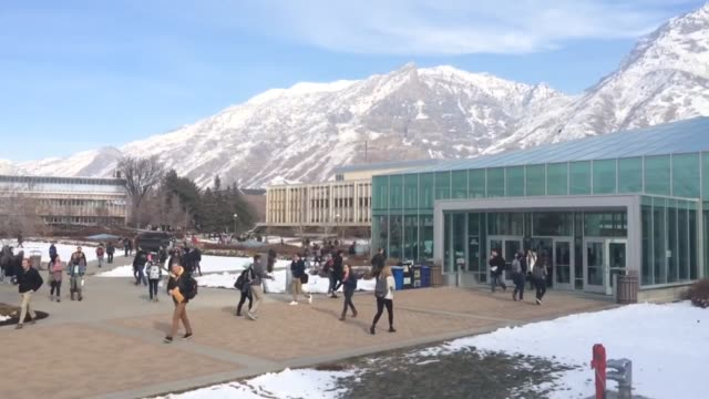 vidéos et rushes de various shots of students at the brigham young university campus, both outside and inside of a classroom. law school accreditors are investigating... - provo