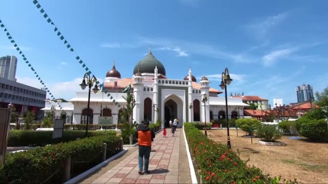 various shots of the kapitan keling mosque and nagore shrine in george town, malaysia on february 20, 2020. kapitan keling mosque was built in the... - malaysia stock videos & royalty-free footage