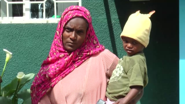 various shots of the mathiwos wondu ethiopian cancer society center in addis ababa ethiopia on july 29 2019 interviews with furtina mesaye16 yearold... - äthiopien stock-videos und b-roll-filmmaterial