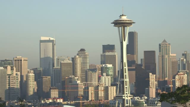 various shots of the seattle washington skyline on a clear sunny day on september 16 a slow push shot of the seattle skyline including the seattle... - space needle bildbanksvideor och videomaterial från bakom kulisserna