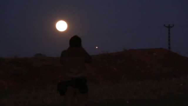 various shots of the 'super blue blood moon' is seen during a total lunar eclipse in usak turkey on january 31 2018 the super blue blood moon... - 2018 stock-videos und b-roll-filmmaterial