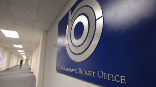 various views and signage of the congressional budget office / views inside office / exterior views congressional budget office on december 17 2012... - budget stock-videos und b-roll-filmmaterial