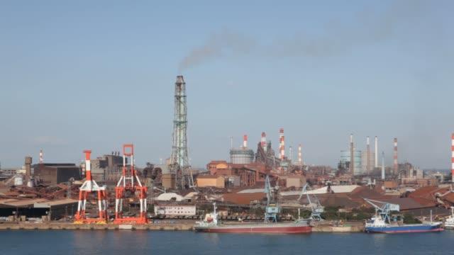 various views of nippon steel & sumitomo metal corporation kashima / steelworks stand / refinery kashima montage at nippon steel & sumitomo metal... - 鉄工所点の映像素材/bロール