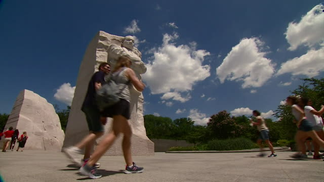 various views of the martin luther king, jr. memorial in washington dc - アメリカ公民権運動点の映像素材/bロール