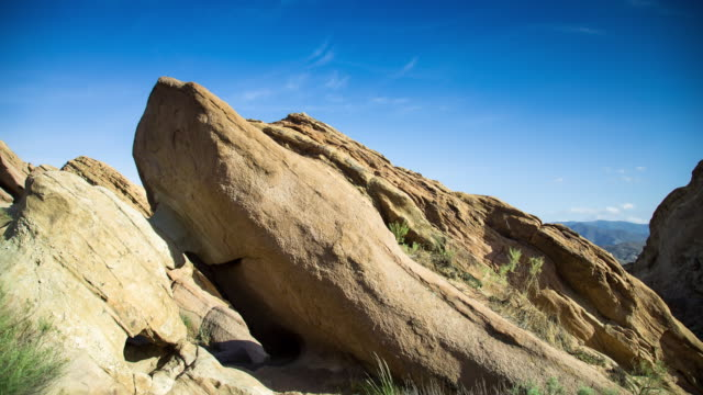 vasquez rocks natural area park, los angeles - motion timelapse - vasquez rocks stock videos and b-roll footage