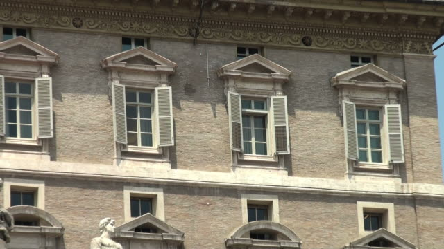 vatican, rome: from pope's window to bernini's colonnade - worshipper stock videos & royalty-free footage