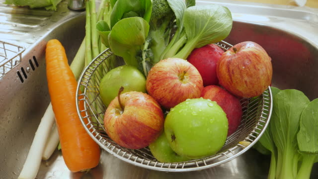 vegetable in the sink - ripe stock videos & royalty-free footage