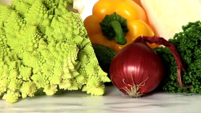 stockvideo's en b-roll-footage met hd: vegetables - crucifers