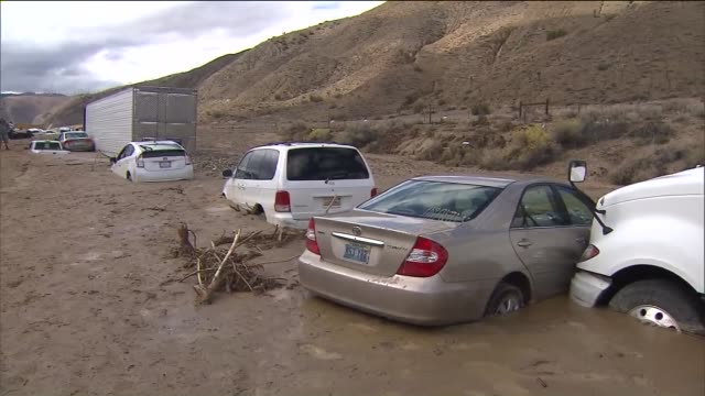 KTLA Vehicles Trapped on Highway 58 Near Mojave After Mudslides Inundated Roads