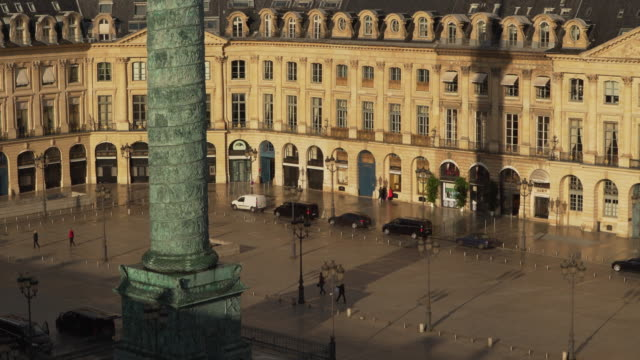stockvideo's en b-roll-footage met vendome midle shot - colonne vendome