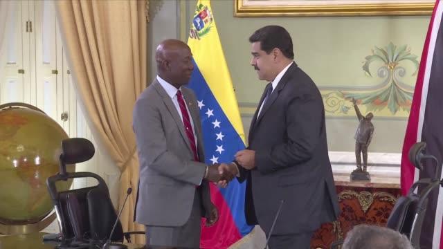 venezuela firmó el lunes un acuerdo para suministrar gas a trinidad y tobago mediante un proyecto que segun el presidente nicolas maduro supondra una... - entrada stock videos and b-roll footage