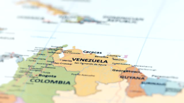 south america venezuela on world map - america latina video stock e b–roll