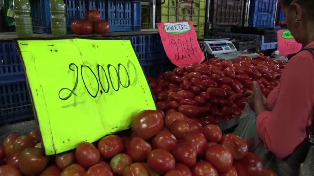 venezuelans are spending 93% of their income on food says financial analyst alejandro grisanti as customers in venezuelan supermarkets stress how... - financial analyst stock videos & royalty-free footage