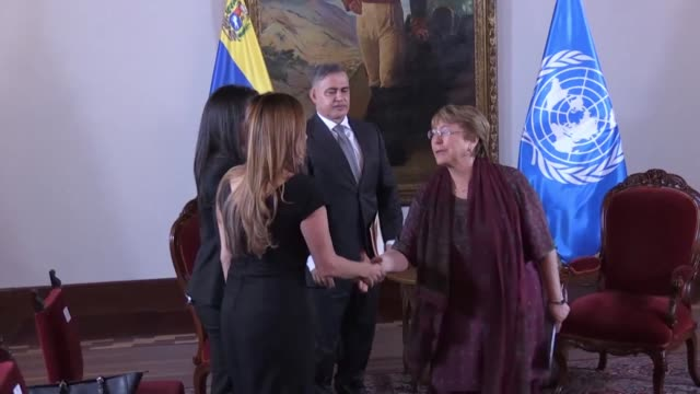 stockvideo's en b-roll-footage met venezuela's attorney general tarek william saab meets with the united nations high commissioner for human rights michelle bachelet as part of a visit... - procureur generaal
