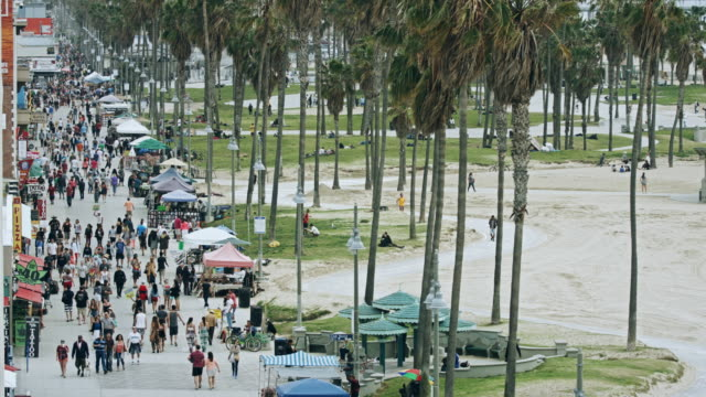 venice beach boardwalk and bike lane - promenade stock videos & royalty-free footage