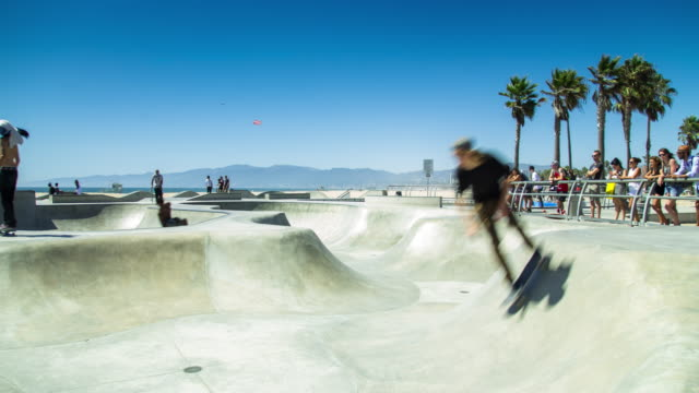venice beach skate park - time lapse - venice california stock videos & royalty-free footage