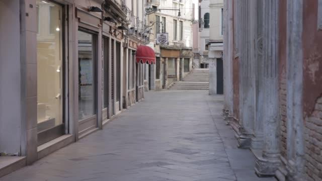 venice empty for covid-19 lockdown - イタリア点の映像素材/bロール