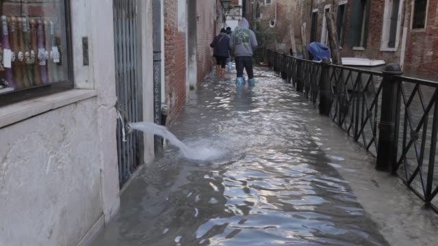 vidéos et rushes de venice flooding - inondation