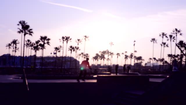 stockvideo's en b-roll-footage met venetië skate park - skateboardpark