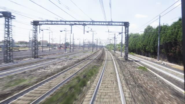 trasporto ferroviario ferroviario di venezia - ferrovia video stock e b–roll