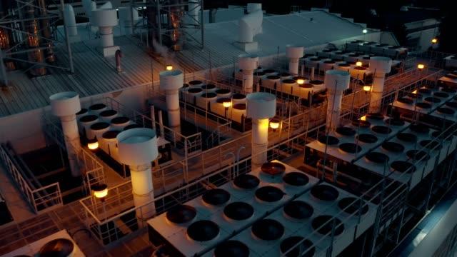 換気冷却システム - エアコン点の映像素材/bロール