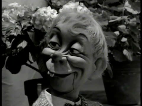 ventriloquist edgar bergen sitting outside w/ puppets charlie mccarthy mortimer snerd writer bill walsh. sot practicing comedy routine about sound... - puppet stock videos & royalty-free footage