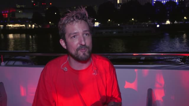 venues including the royal festival hall and the national theatre on the south bank light up in red to raise awareness for over a million jobs in the... - politik und regierung stock-videos und b-roll-filmmaterial