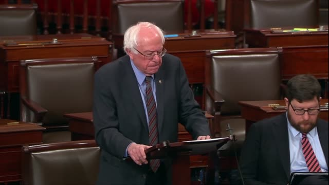 vermont senator bernie sanders discusses debate on a war powers resolution to pull the united states out of yemen his view of the legal definition of... - made in usa点の映像素材/bロール
