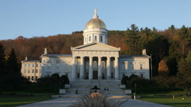 vermont state house - vermont stock-videos und b-roll-filmmaterial