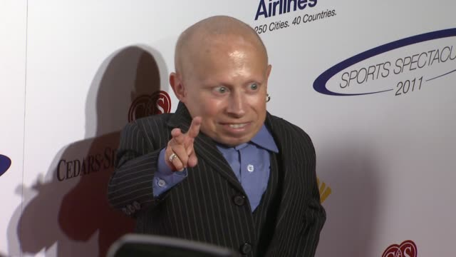 verne troyer at the cedars-sinai medical center celebrates 26th anniversary of sports spectacular at los angeles ca. - verne troyer stock videos & royalty-free footage