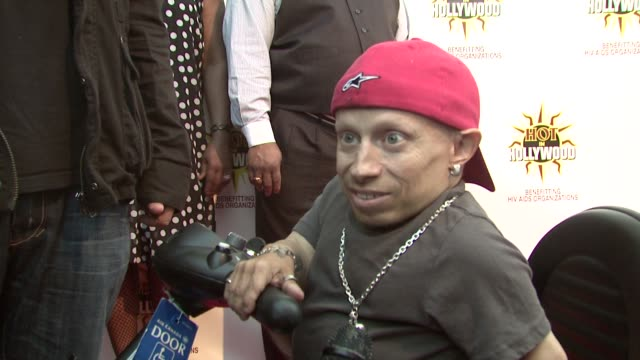 verne troyer at the hot in hollywood annual event at los angeles ca - verne troyer stock videos & royalty-free footage