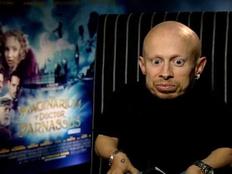 verne troyer on how great the cast were and on how they all felt like family because they came together to finish the film at the the imaginarium of... - verne troyer stock videos & royalty-free footage