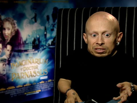 verne troyer on how his imagining of the film was nothing like the end result at the the imaginarium of doctor parnassus interviews at london england - verne troyer stock videos & royalty-free footage