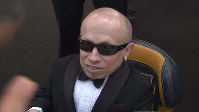 verne troyer on this being the first time at this venue at the cannes film festival 2009 amfar red carpet at antibes - verne troyer stock videos & royalty-free footage