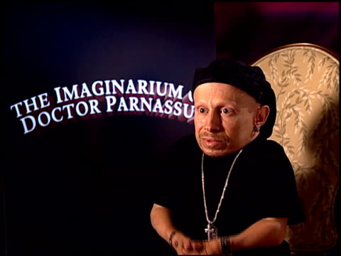 verne troyer on why he chose this role at the 'the imaginarium of doctor parnassus' junket at beverly hills ca - verne troyer stock videos & royalty-free footage