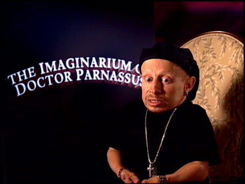 verne troyer on working with heath ledger at the 'the imaginarium of doctor parnassus' junket at beverly hills ca - verne troyer stock videos & royalty-free footage
