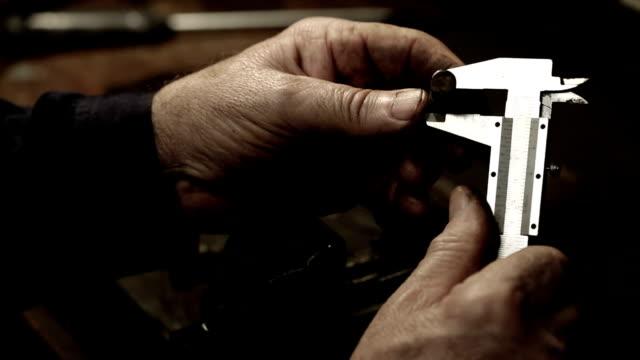 vernier caliper measurements - vernier calliper stock videos & royalty-free footage