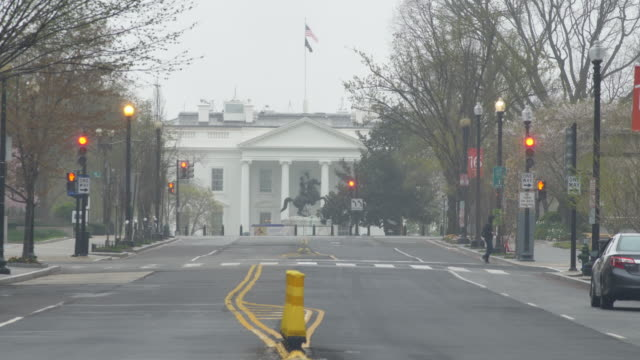 very little traffic in front of the white house during the coronavirus pandemic lockdown - washington dc stock videos & royalty-free footage