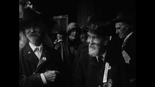 jim ives the 'buffalo bill of chicago' and robert hall meet for first time since the civil war / grand army of the republic veteran jim ives who... - ziegenbart stock-videos und b-roll-filmmaterial