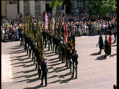 veterans of world war ii march away from cenotaph 60th anniversary of vj day commemorations; 21 aug 05 - vj演出点の映像素材/bロール