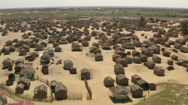 vidéos et rushes de vezo people's village / madagascar, africa - tourisme