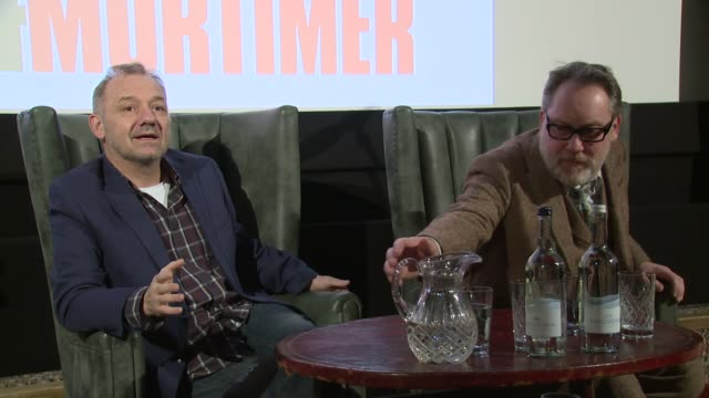 vídeos de stock, filmes e b-roll de vic and bob on favourite characters on january 13, 2016 in london, england. - vic reeves