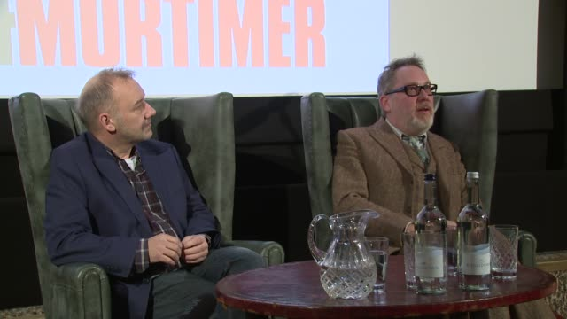 vídeos de stock, filmes e b-roll de vic and bob on getting married on january 13, 2016 in london, england. - vic reeves
