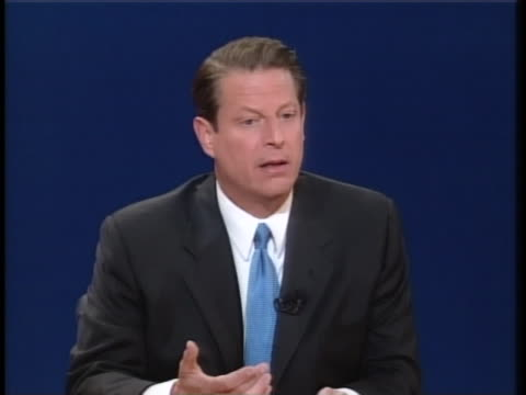 us vice president al gore states that the us should provide leadership on the world economy and environment during a presidential debate with texas... - carolina del nord stato usa video stock e b–roll