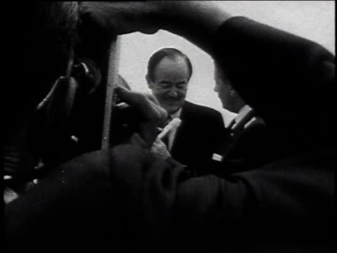 vice president hubert humphrey acknowledging applause / laconia new hampshire united states - reporterstil stock-videos und b-roll-filmmaterial