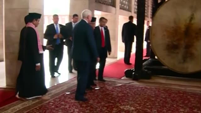 vice president mike pence is accompanied by high priest nasaruddin umar and chairman of the istiqlal mosque management executive board muhammad... - moschea video stock e b–roll