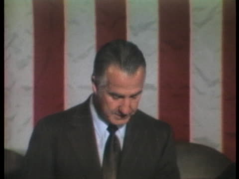 vídeos de stock e filmes b-roll de vice president spiro agnew chairs a joint session of congress in which electoral votes from the previous presidential election are counted. - presidente de empresa