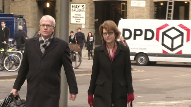 vicky pryce arriving at southwark crown court for trial at southwark crown court on february 07 2013 in london england - ビッキー・プライス点の映像素材/bロール
